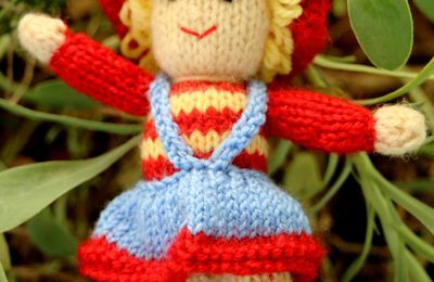 Poupée au tricot Dollytime 2ème