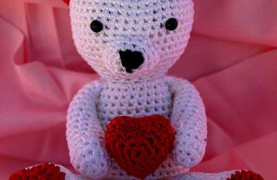 Ours Valentin au crochet