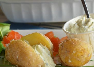 Pommes de terre Prima Breizh en croûte de sel et saumon fumé {opération Prince de Bretagne}