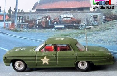 OLDSMOBILE SUPER 88 HQ STAFF CAR MILITARY CORGI 1/49