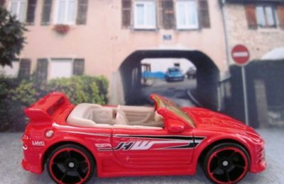 MITSUBISHI ECLIPSE CABRIOLET HOT WHEELS 1/64 - ECLIPSE CONVERTIBLE