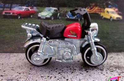 HONDA MONKEY Z50 HOT WHEELS 1/64