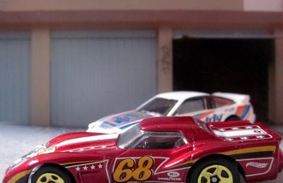 76 GREENWOOD CORVETTE HOT WHEELS 1/64 - CHEVROLET CORVETTE GREENWOOD 1976