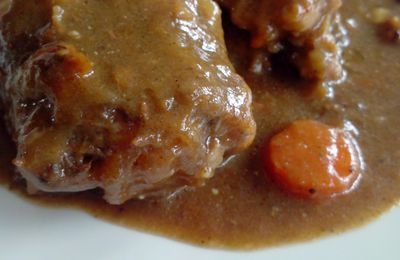 CARBONNADE AUX QUEUES DE BOEUF