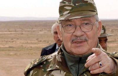 Algérie: Le général Gaïd Salah montre ses muscles contre le clan Bouteflika