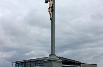 La Croix sur la falaise du Tréport