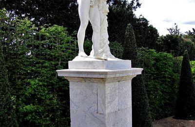 Silène portant Bacchus par Simon Mazière