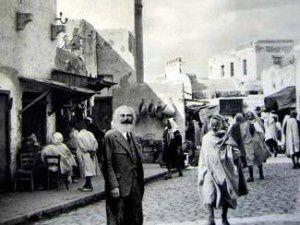 1882. Karl Marx se fait couper la barbe à Alger