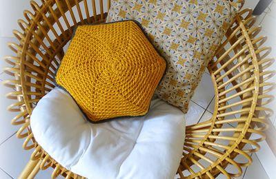 Coussin hexagonal