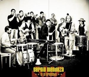 orkestra mendoza, sergio mendoza du groupe calexico et leader de y la orkestra avec le charsmatique salvador duran