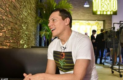 "For @tiesto, ""connecting to audience is like 'having sex"""