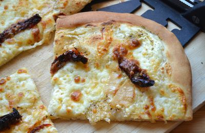 Pizza blanche aux fromages