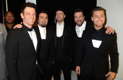 Les NSYNC ensemble au Saturday Night Live! #SNL40