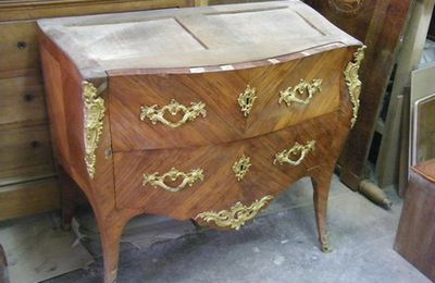 Restauration commode d'époque Louis XV estampillée MONDON Paris 15ème
