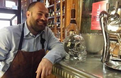 """Perpignan: Stéphane Balluet, l'homme du meilleur restaurant de viande de France, 'le Divil' a un coup de cœur pour le salon """"indigènes"""" des vins natures"""