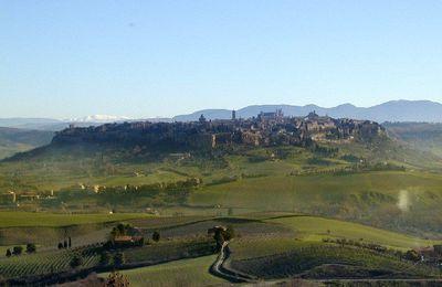Orvieto, une cité secrète creusée dans le tuf volcanique.