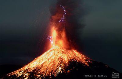 Eruptions au Colima, Turrialba et Bogoslof.