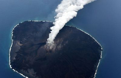 News from Nishinoshima, Fuego and Sinabung.