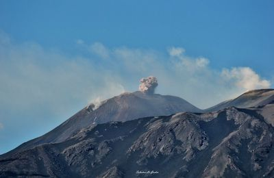 Volcanic Briefs: Etna, Nevados of Chillan, Agung, Reunion Island