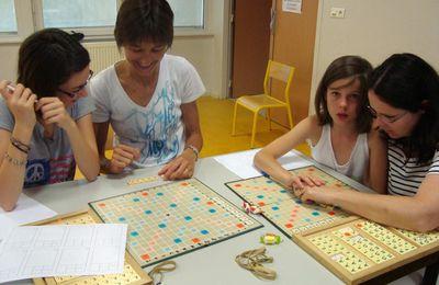 L'usage pédagogique d'un jeu de société (le Scrabble) maintient-il sa dimension ludique ?  (Dossier). Par Karim Kherbouche