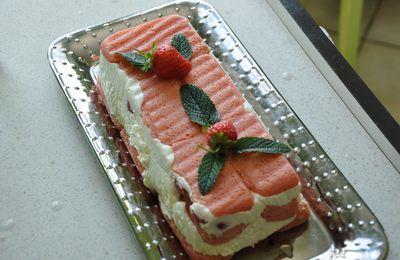 Charlotte aux fraises facile !!!!!