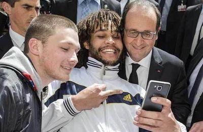 Hollande, cet homme qui déshonore la France et liquéfie la fonction de président de la République.