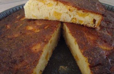 Gâteau pêches et amandes