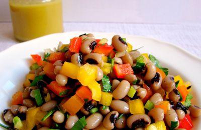 Une salade colorée aux mavromatika pour un buffet vegan entre amis