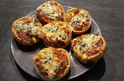 Quiches jambon et fourme d'Ambert