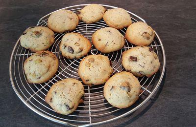 Cookies vanillés aux grosses pépites de chocolat et mini smarties
