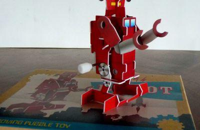 WIND UPS ROBOT - TOYS
