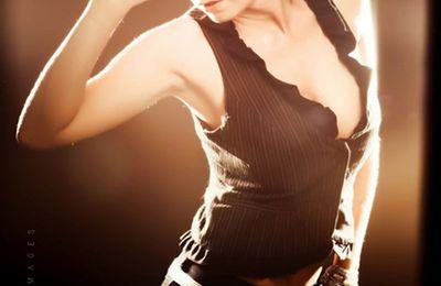 Star du X et modèle photo Julie Valmont se livre sur son parcours