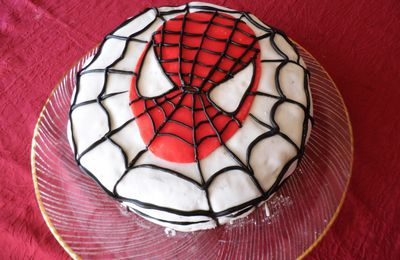 Gâteau damier Spiderman