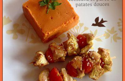 Brochettes de poulet marinées au curry et combava et purée de patates douces