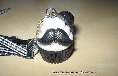 Porte clés cup cake homme