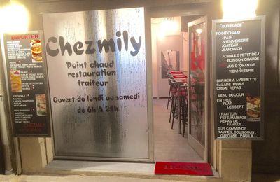 Chez Mily petit restaurant gourmand ( choix de burgers et salades gourmandes .... ) .