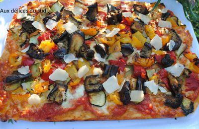 Pizza aux légumes confits  .