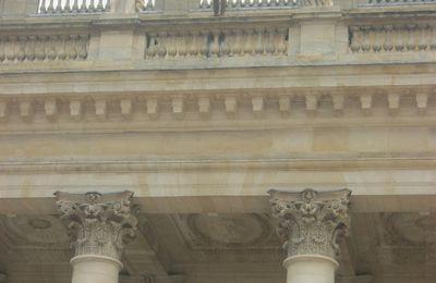 L'HOMME NU VISITE BORDEAUX (3)
