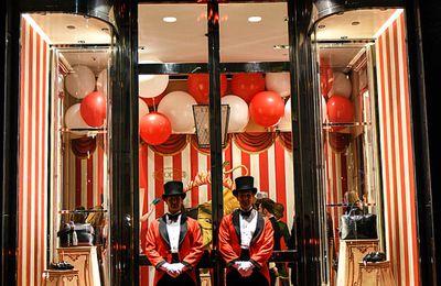 A New-York le magasin Tod's fête Noël sous le signe du cirque