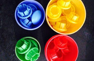 Les jeux de type Montessori pour les enfants, petit topo critique sur ces vrai faux jeux du quotidien