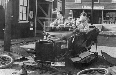 The garage (Roscoe Arbuckle, 1919)