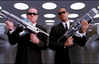 MIIB (Men in black 2, Barry Sonnenfeld, 2002)