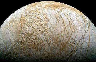 Sur Europe, une lune de Jupiter, l'océan est semblable aux nôtres