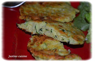 Galettes de courgettes au parmesan et pignons de pin