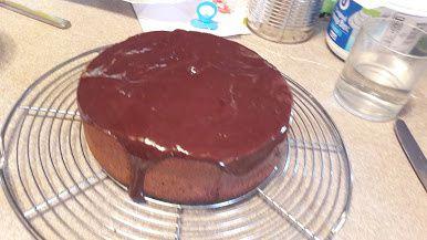 Gâteau décadent au chocolat et à la noisette sans farine et sans gluten :
