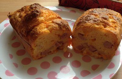 Cake jambon et mimolette.