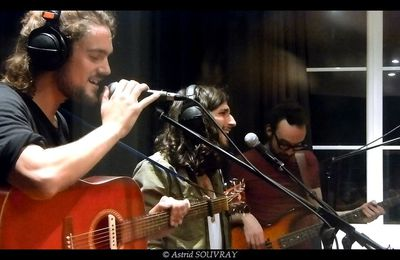 In The Canopy en session acoustique