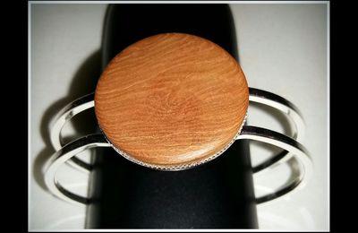 Unique et fait avec amour, bracelet avec morceau de bois flotté