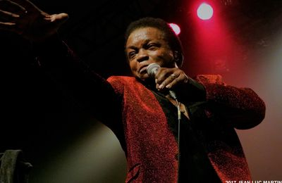 LEE FIELDS AND THE EXPRESSIONS A L'ELYSEE MONTMARTRE A PARIS LE 3/02/2017