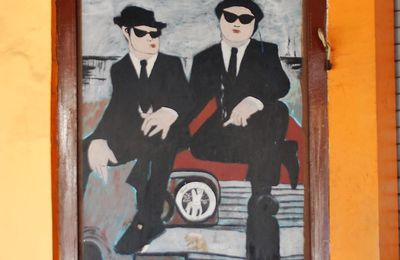 ART ET BLUES: BLUES BROTHERS A LA BALINAISE